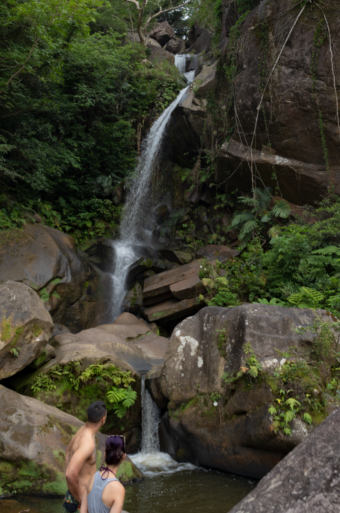轟の滝(沖縄県名護市数久田)名護市指定文化財の美しい滝。